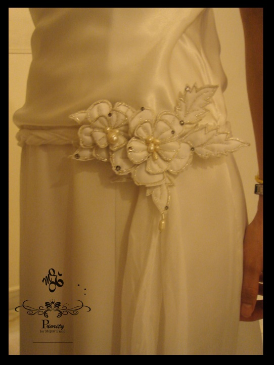 Bridal wear by MQ06-waist embroidery (Detail shot)
