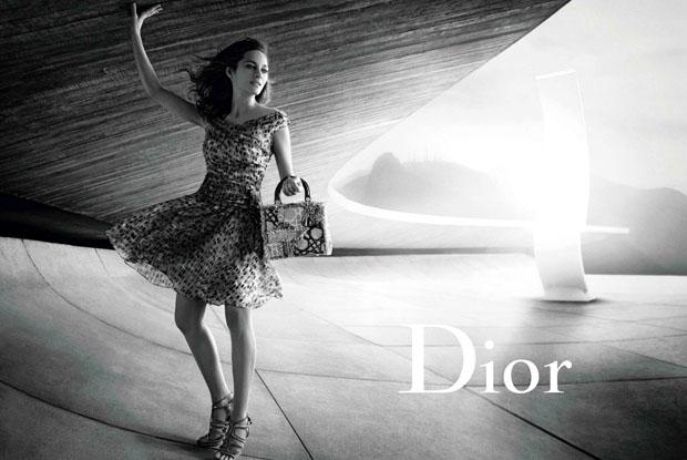 Marion-Cotillard-Peter-Lindbergh-Lady-Dior-Handbags-01