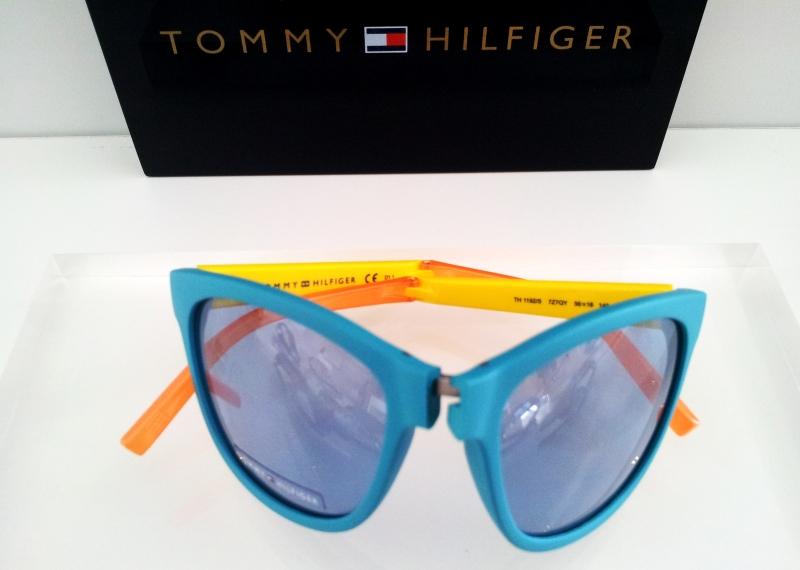19 TOMMY HILFIGER