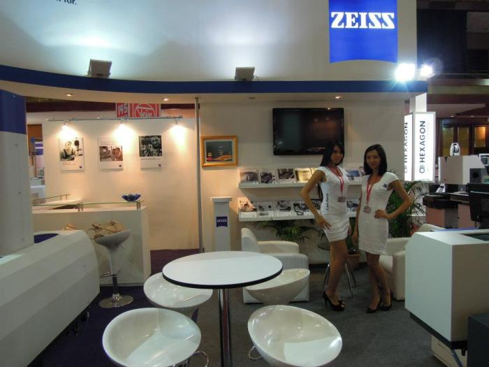 #Zeiss #QueenieChamber #ProfessionalBespokeUniform
